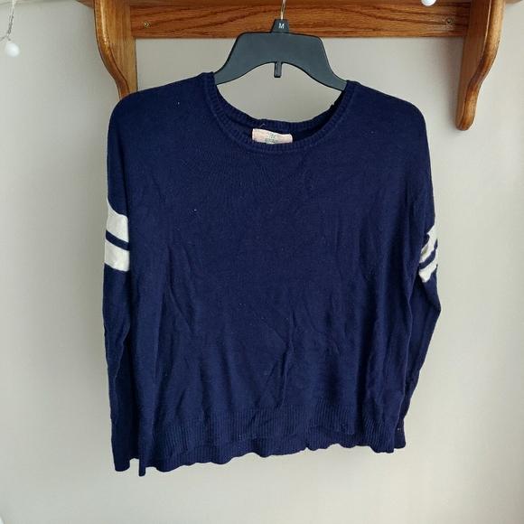 Dark blue light sweater